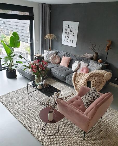 roze stoel in je interieur