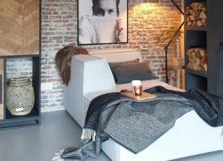 relaxen in de woonkamer