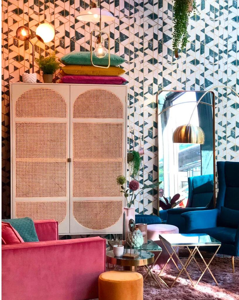 Homestock - woonwinkel met veel kleur-bank