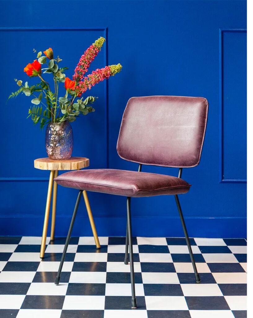 homestock-kleurrijke-eetkamerstoel