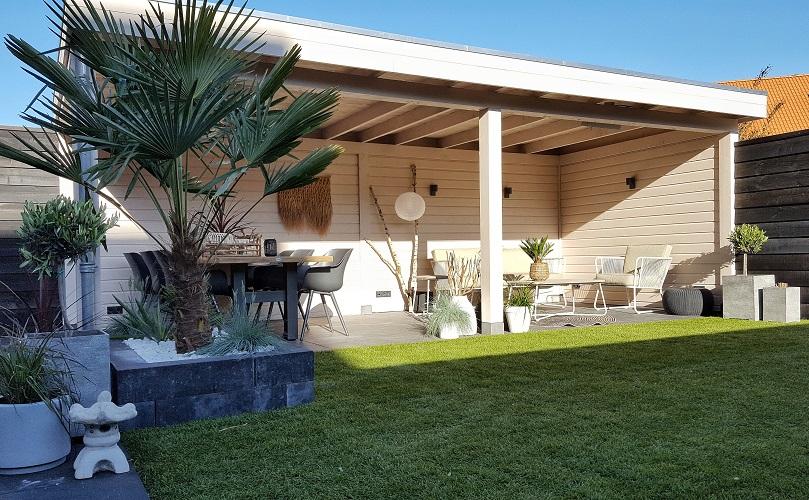 witte veranda overkapping tropische tuin